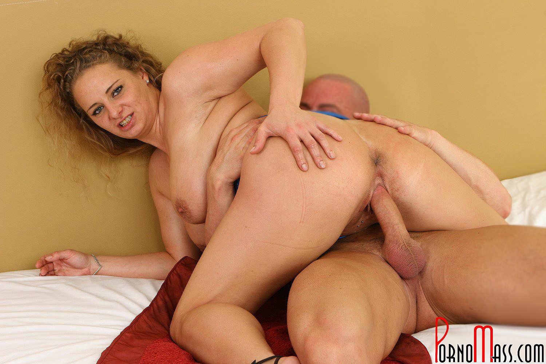 sexo por tras sexo vaginal