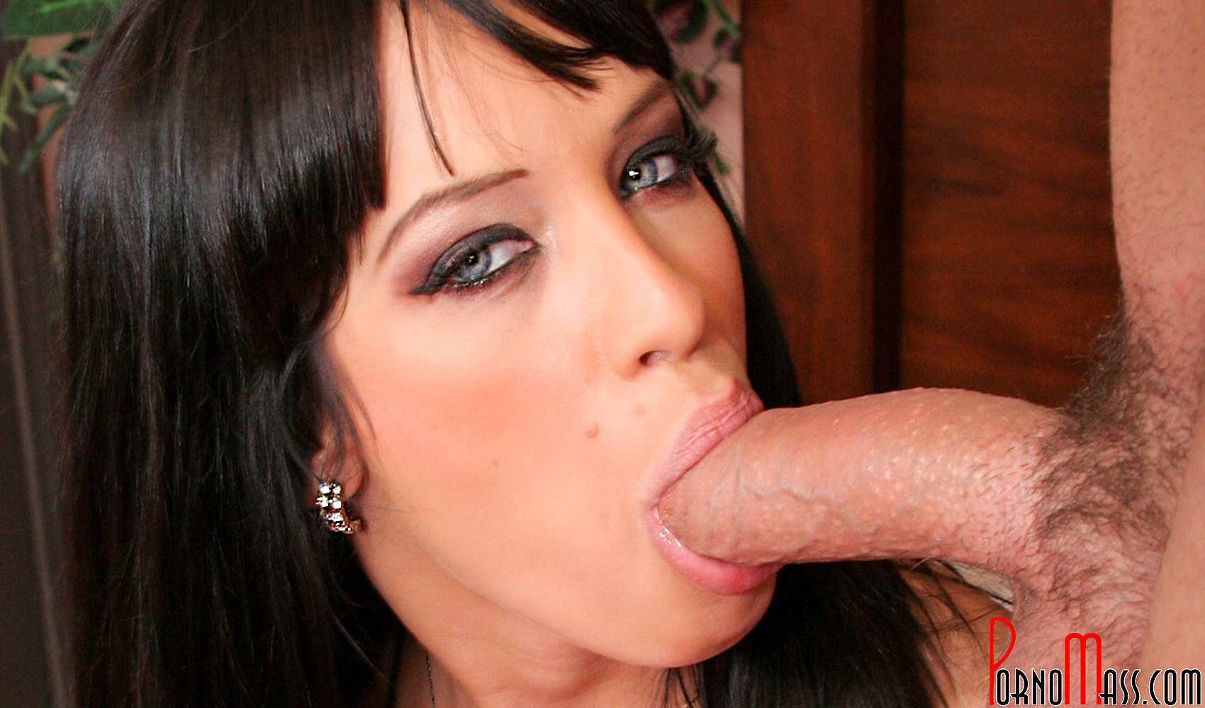 www.Junge Frauen Pornos .de blowjob